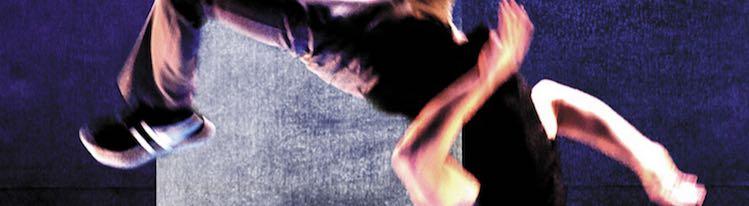 Tù : Une danse acrobatique de la re-naissance